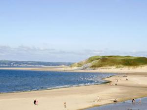 Gower Beaches : Broughton Bay