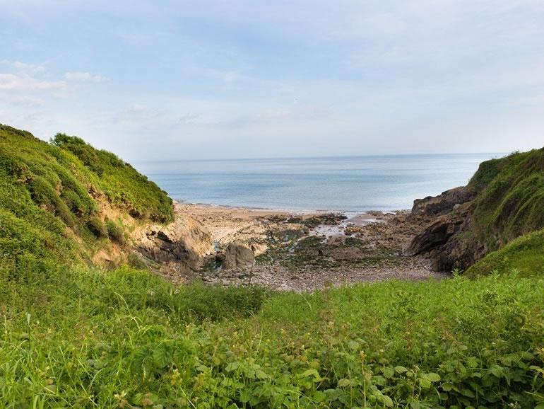 Gower Beaches : Brandy Cove